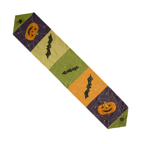 HALLOWEEN PATCHWORK TABLE RUNNER