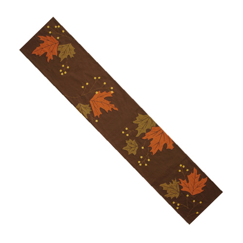LEAVES & BERRY TABLE RUNNER